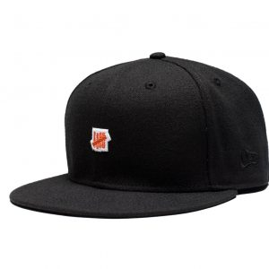 Small 5 Strike Fitted Cap – Black